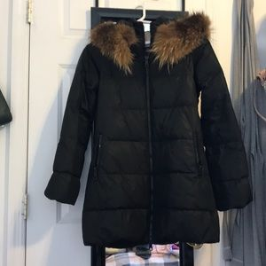 Black down puffy coat with fur collar